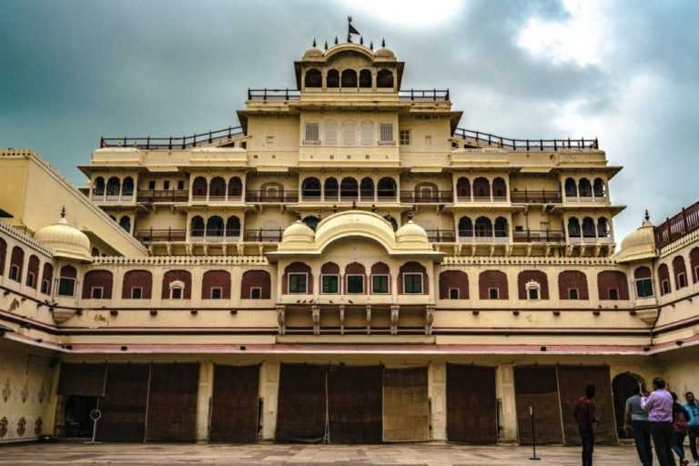 city palace (one of the best places to visit in Jaipur)