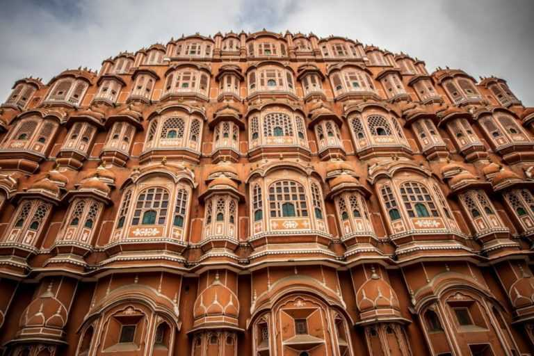 hawa mahal (one of the best place to visit in Jaipur)